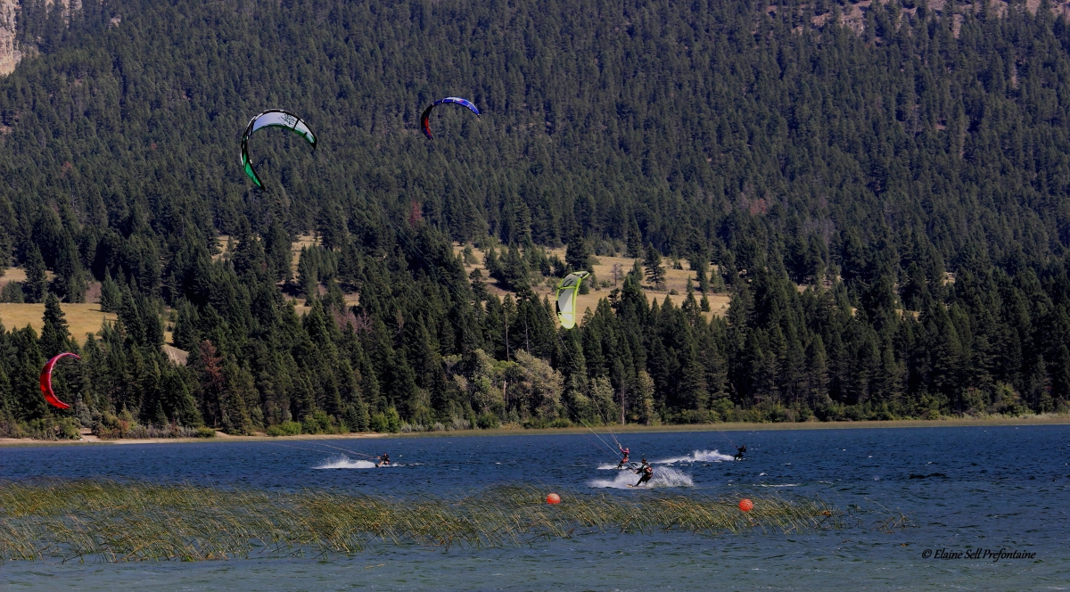 Kite Surfing Action - Columbia Lake 2015 08 23IMG_2204